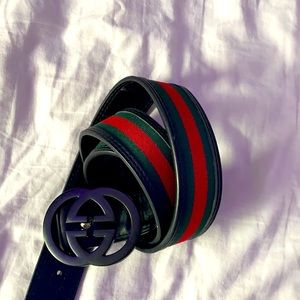 45/100 sized green and red Gucci belt